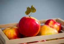 How To Prevent Fruits And Vegetables From Turning Brown