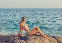 how to choose bikini for small bust