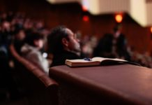 how to organize a conference event